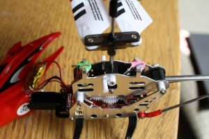 Syma-s-107-fake-motors-2